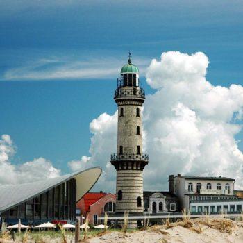 Rostock Warnemünde · Leuchtturm und Teepott
